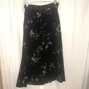SAG HARBOR Petite black floral midi spring skirt